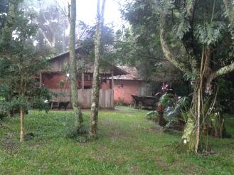 Vista para a cozinha do camping (Foto: Keila Kubo).