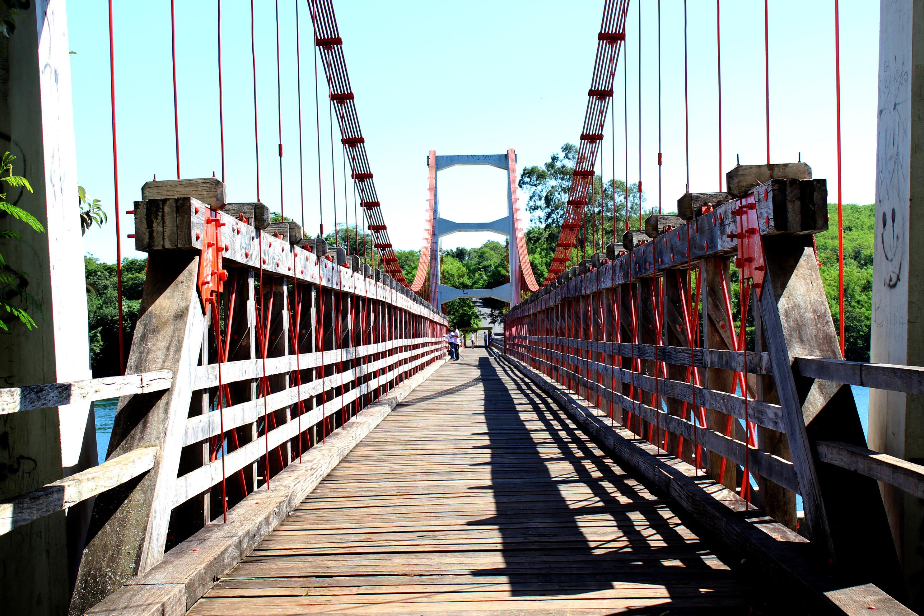 Ponte pensil_ribeirão Claro_parana