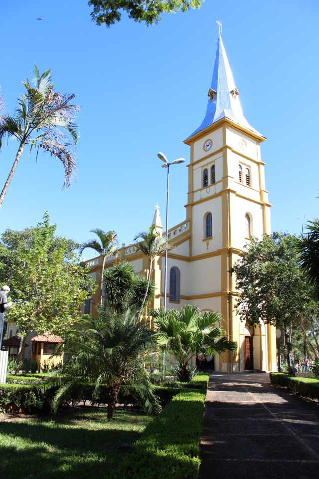 Ribeirão Claro Igreja_parana