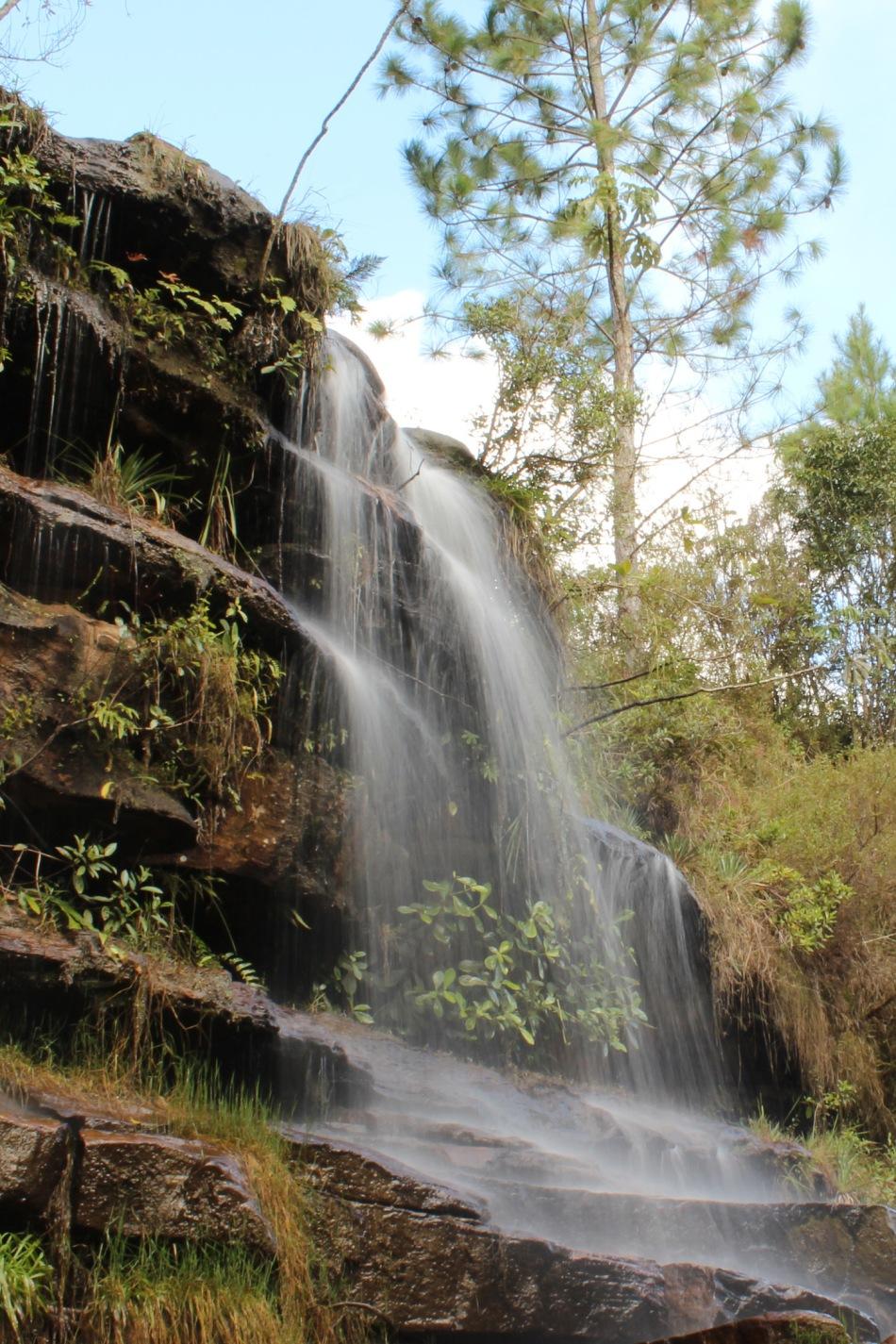 Cachoeira Chuveirinho_vale do Itararé.jpg