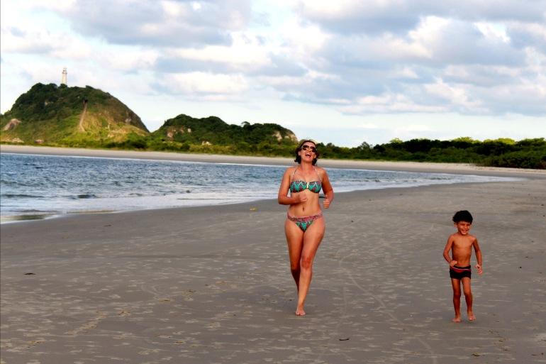 Praia_ilha_do_mel_farol