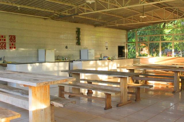 cozinha comunitária camping paudimar.jpg